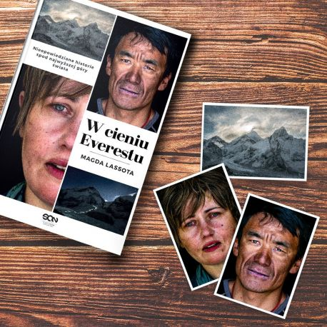Zdjęcie pakietu W cieniu Everestu + Zestaw pocztówek w księgarni Labotiga